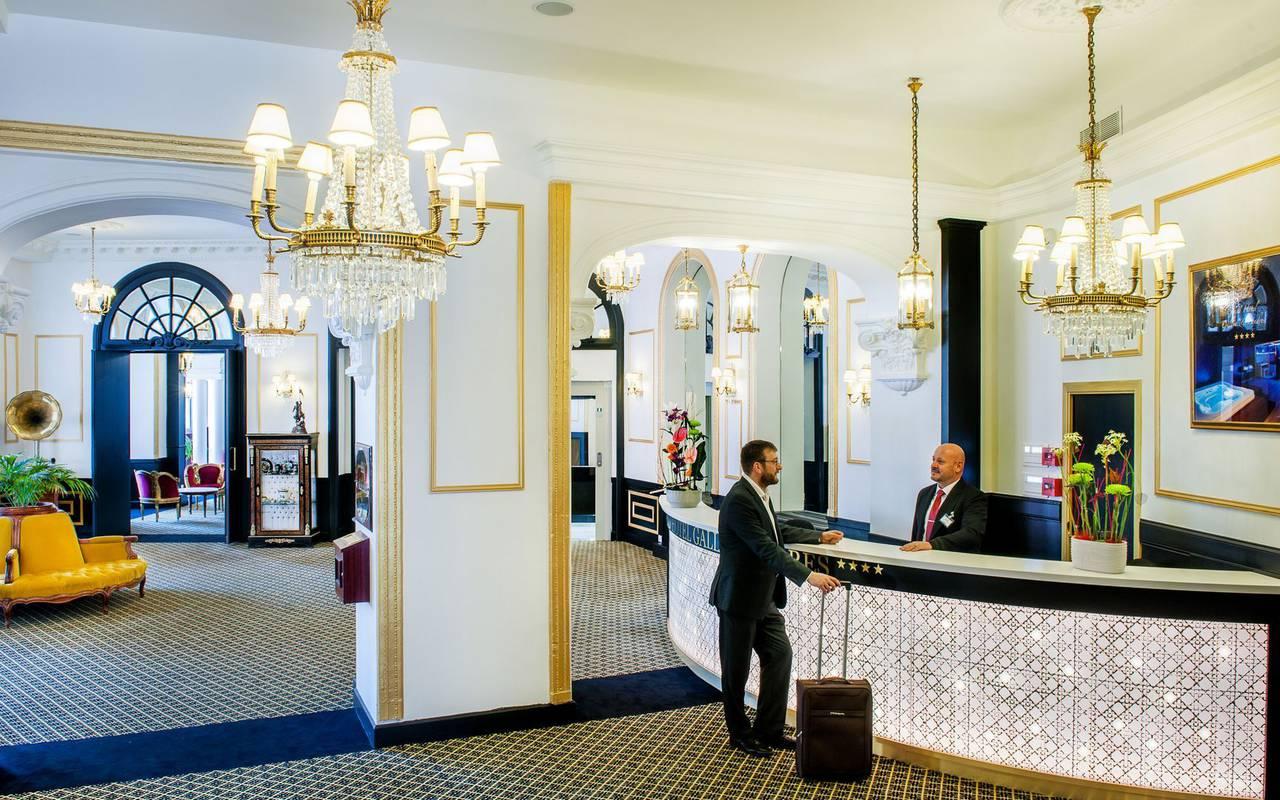 Réception, hôtel romantique Pyrénées, Hôtel Gallia